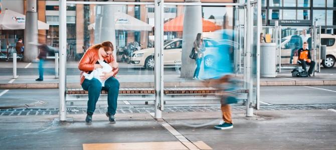 HOCHBAHN: Busfahrer diskriminiert stillende Mutter
