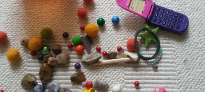 Babys und Kleinteile: wegnehmen oder machen lassen?